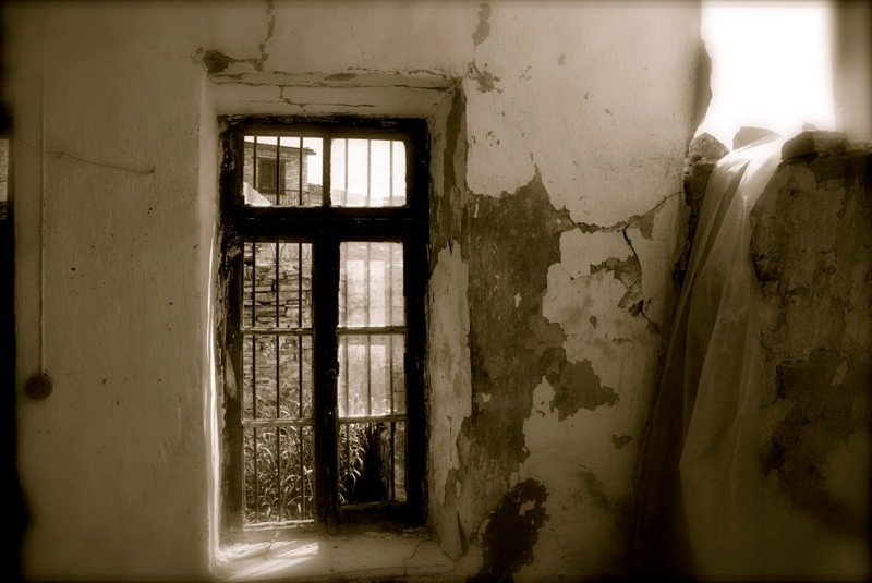 old traditionnal house window