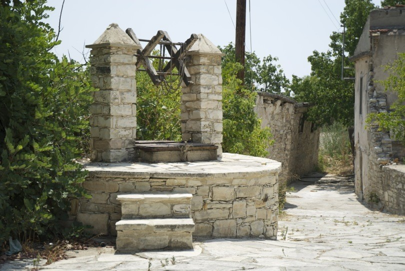 traditionnal well Cyprus